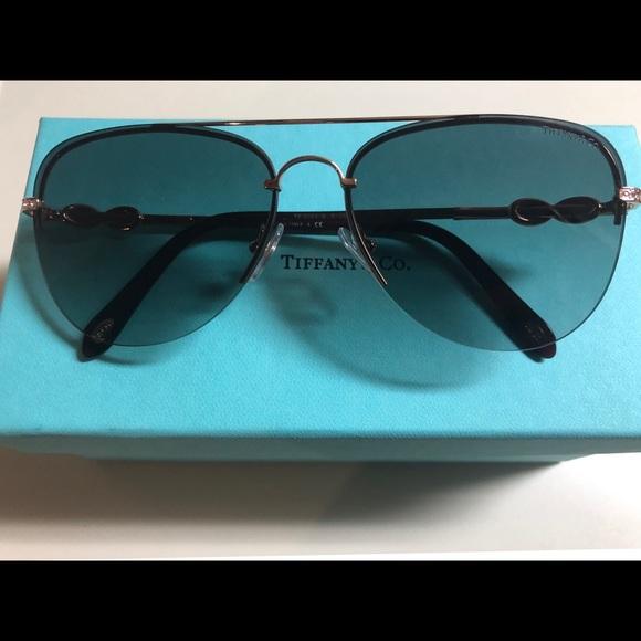 5ffbcc4a328cb Tiffany Infinity Aviator sunglasses. M 5aef75748af1c55016534063